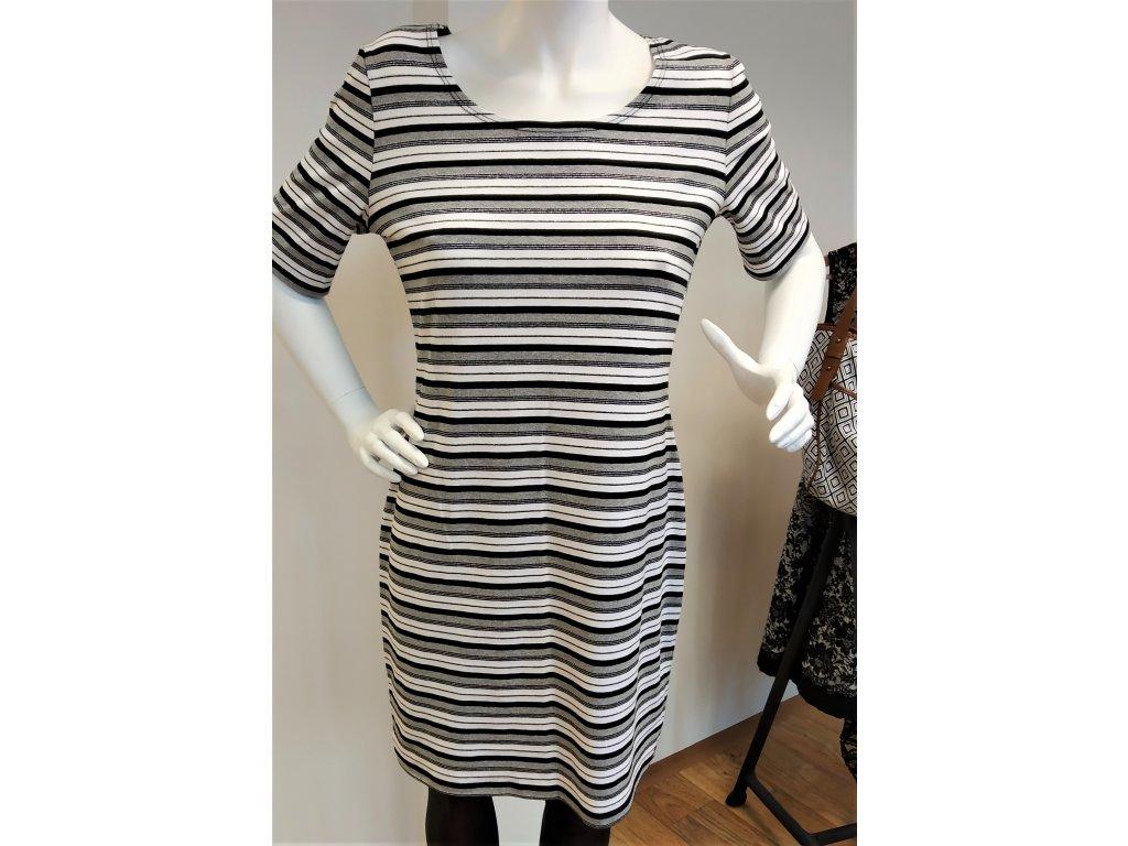 Bílo-černé šaty