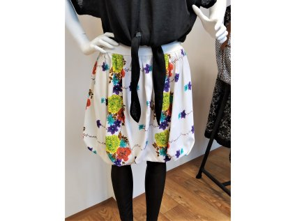 Bílá květovaná balónová sukně