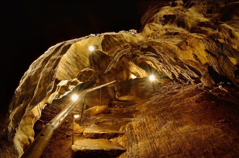 Chýnovská_jeskyně1