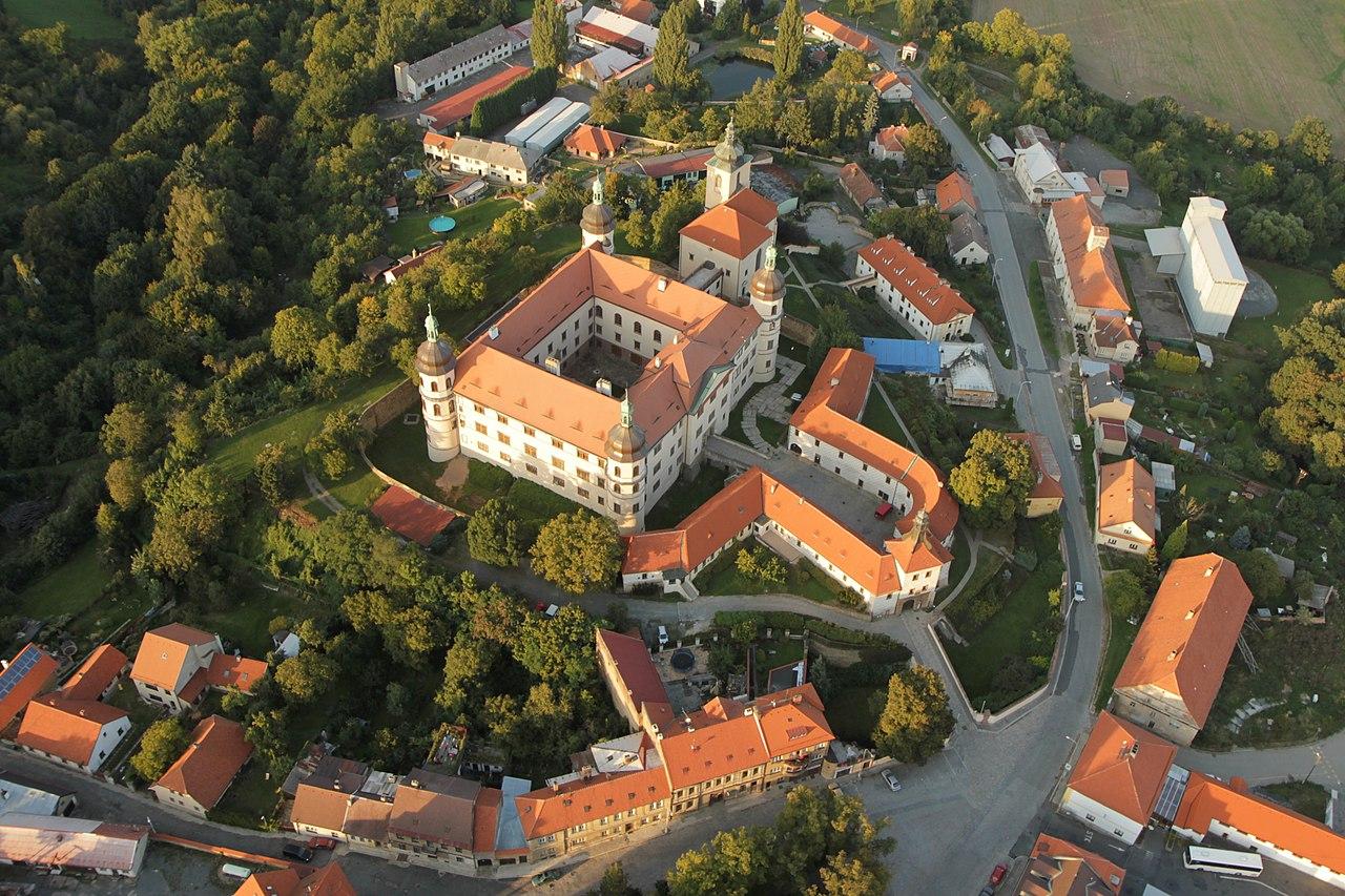 Zámek_Kostelec_nad_Černými_lesy