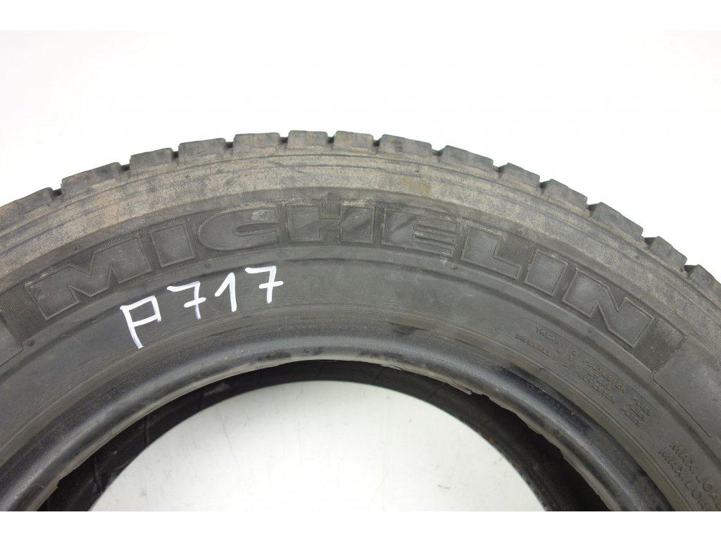 Letní Michelin 205/70R15C - 2ks - vzorek cca 4,6 mm