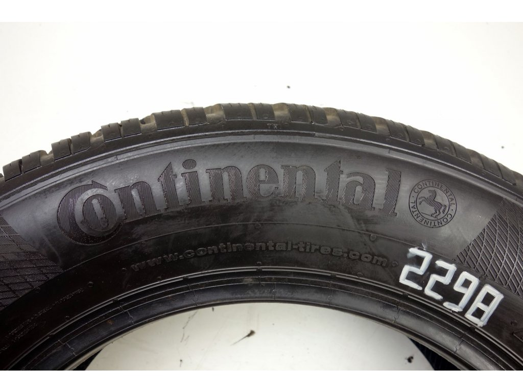 Zimní Continental 195/65R15 - 2ks - vzorek cca 6,5 mm