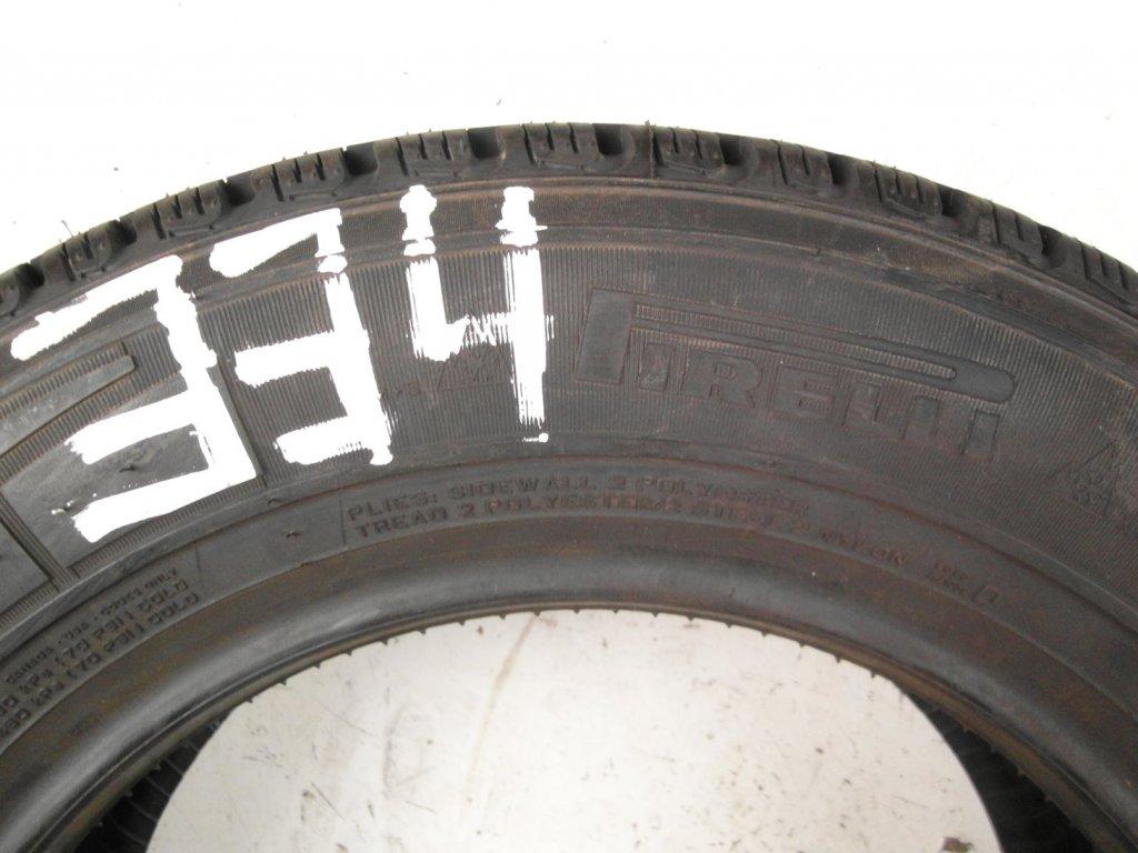 Zimní Pirelli 195/75R16C - 1ks - vzorek cca 8,6 mm
