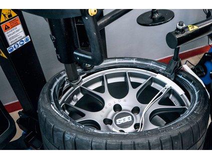 Nazutí pneu