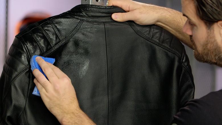 Údržba koženého moto oblečení ve 4 krocích