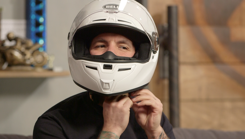 Podle čeho vybrat přilbu na motorku?
