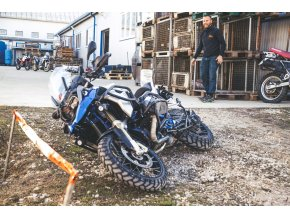 Oba rámy + kryt motoru Outback Motortek pro BMW R1200GS LC (Barva Černá)