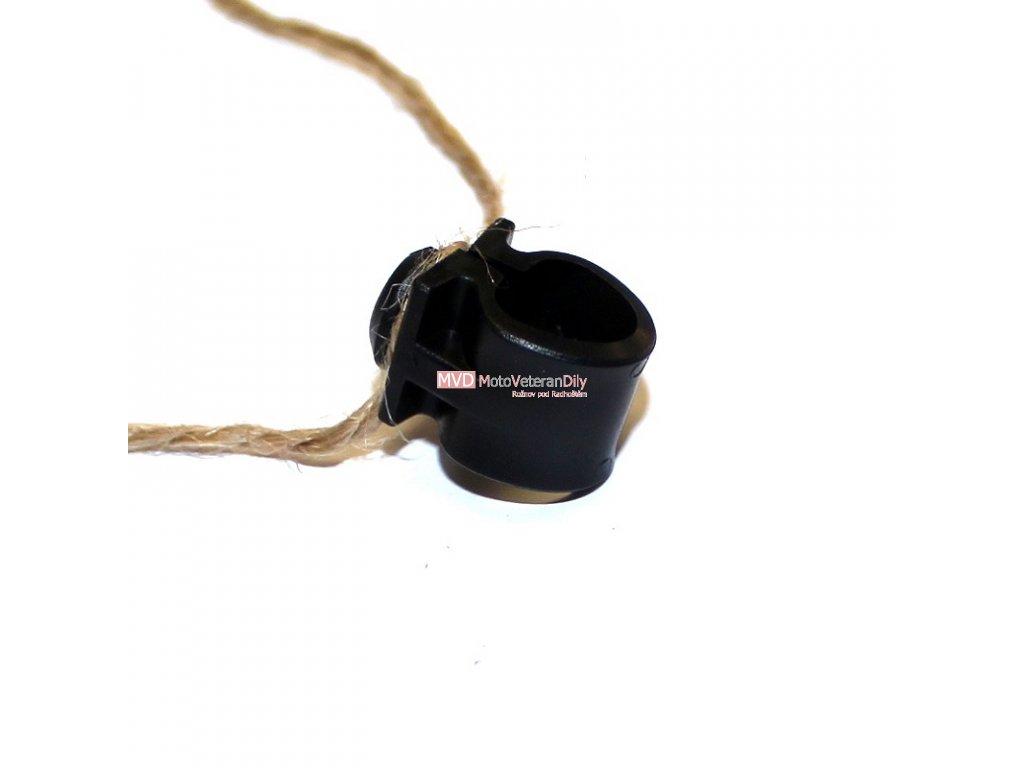 Úchyt lanka přední brzdy - do blatníku (plastový)