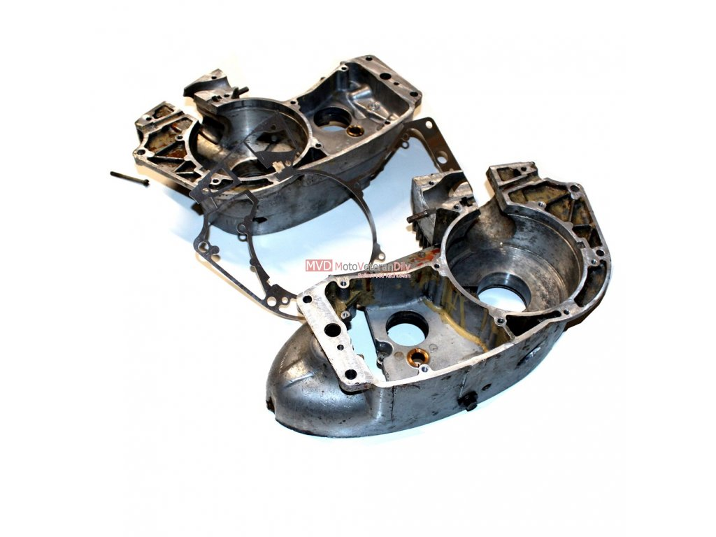 Frézování dosedacích ploch karterů Jawa 350 (6. volt)