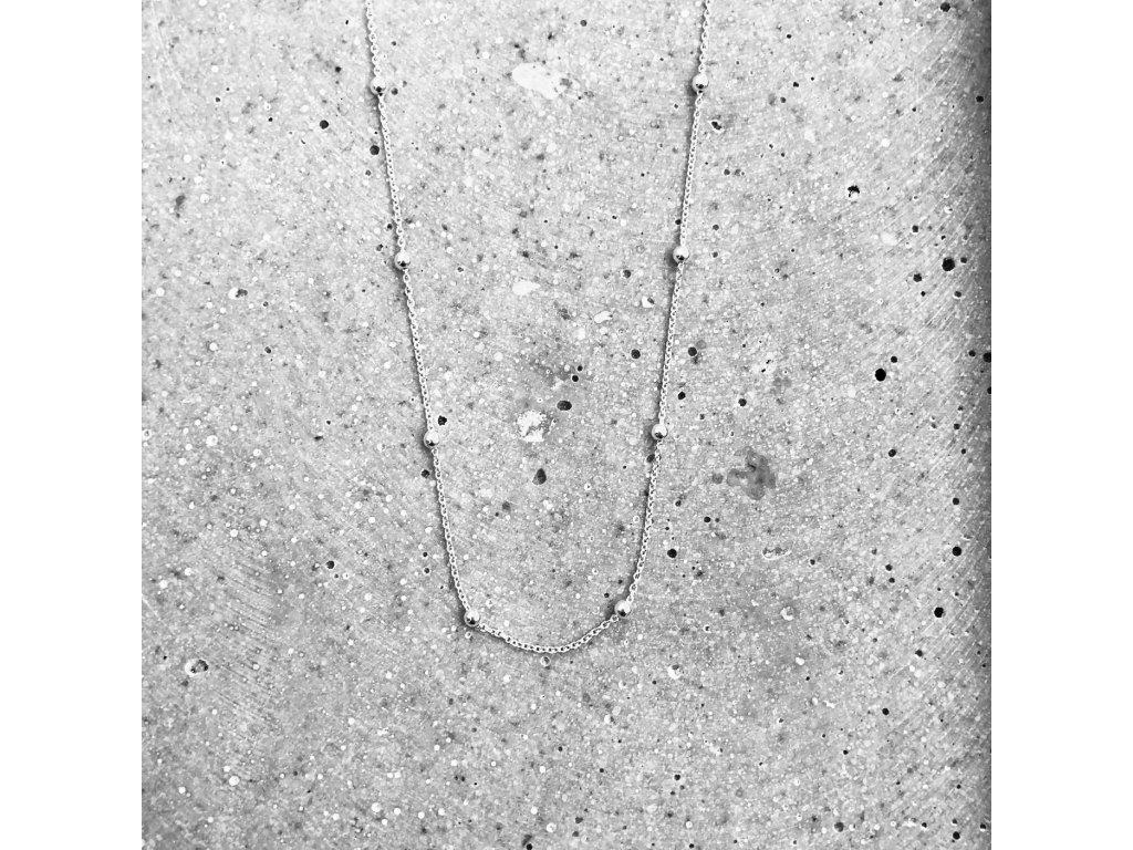 Dámský náhrdelník kuličky stříbro 42 cm Mou Jewel