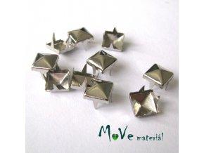 Cvočky na oblečení 7x7mm pyramida, 10ks, stříbrná