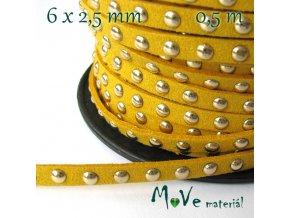 Plochá syntetická kůže s cvočky/0,5m, žlutá