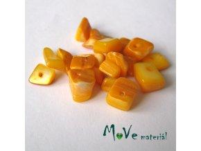 Perleťové zlomky vrtané, 10-11g, žlutá