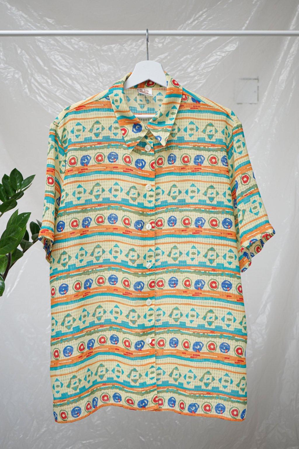 Barevná košile