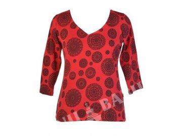 Červené tričko s tříčtvrtečním rukávem a celotiskem Chakra