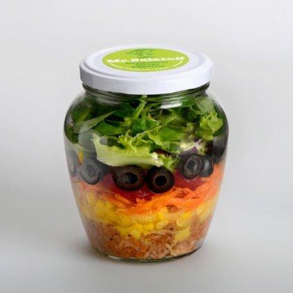 saláty Salát s krůtím masem, kukuřicí a olivami