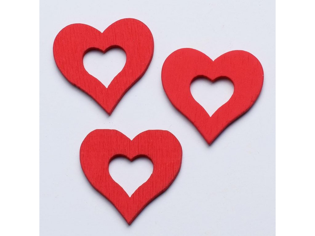 Drevená dekorácia červené srdce3x3cm