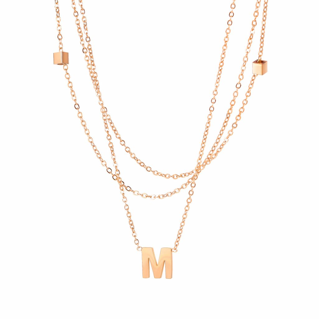Dámsky náhrdelník s písmenom M 1