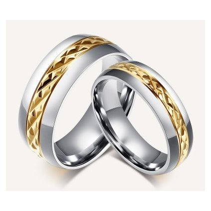 Stainless%20Steel%20Gold%20diamond%20Cut%20Center%20Wedding%20Ring%20NNo%20Stone