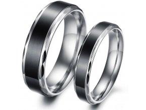 Prstene z chirurgickej ocele s čiernym pruhom 2ks