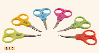 Nůžky a vatové tyčinky