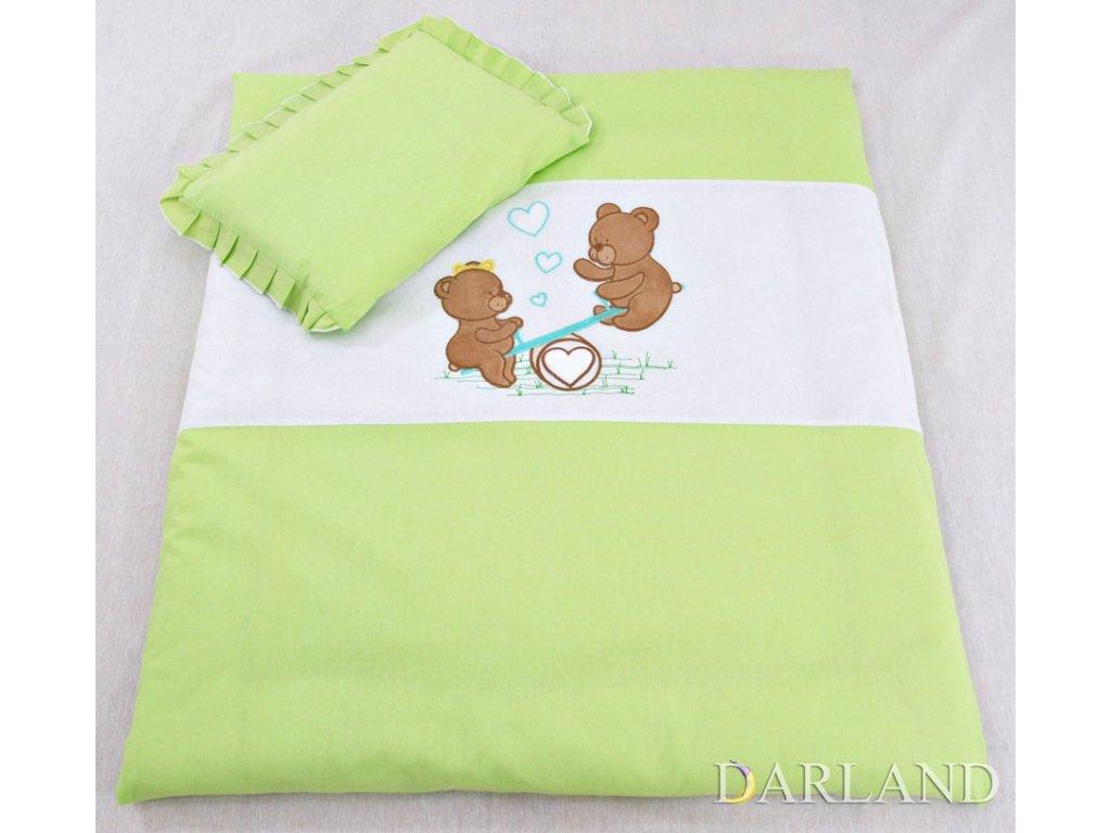 Sada do kočárku s výšivkou medvídka na houpačce zelená