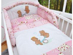 Darland 3-dílná sada s výšivkou medvídek na houpačce patchwork růžový