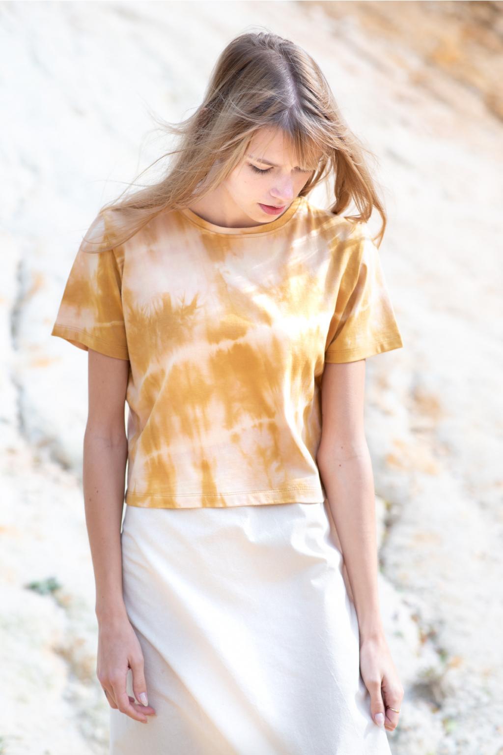 KOUSEK batikované tričko z biobavlny