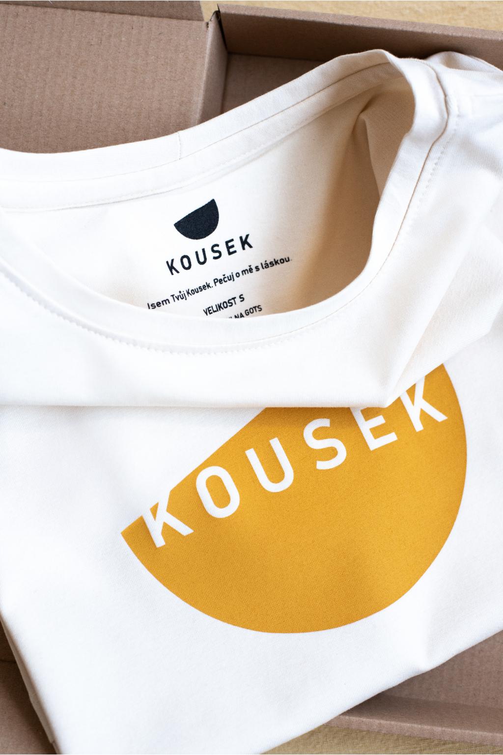 KOUSEK krátké tričko biobavlna logo Kousek