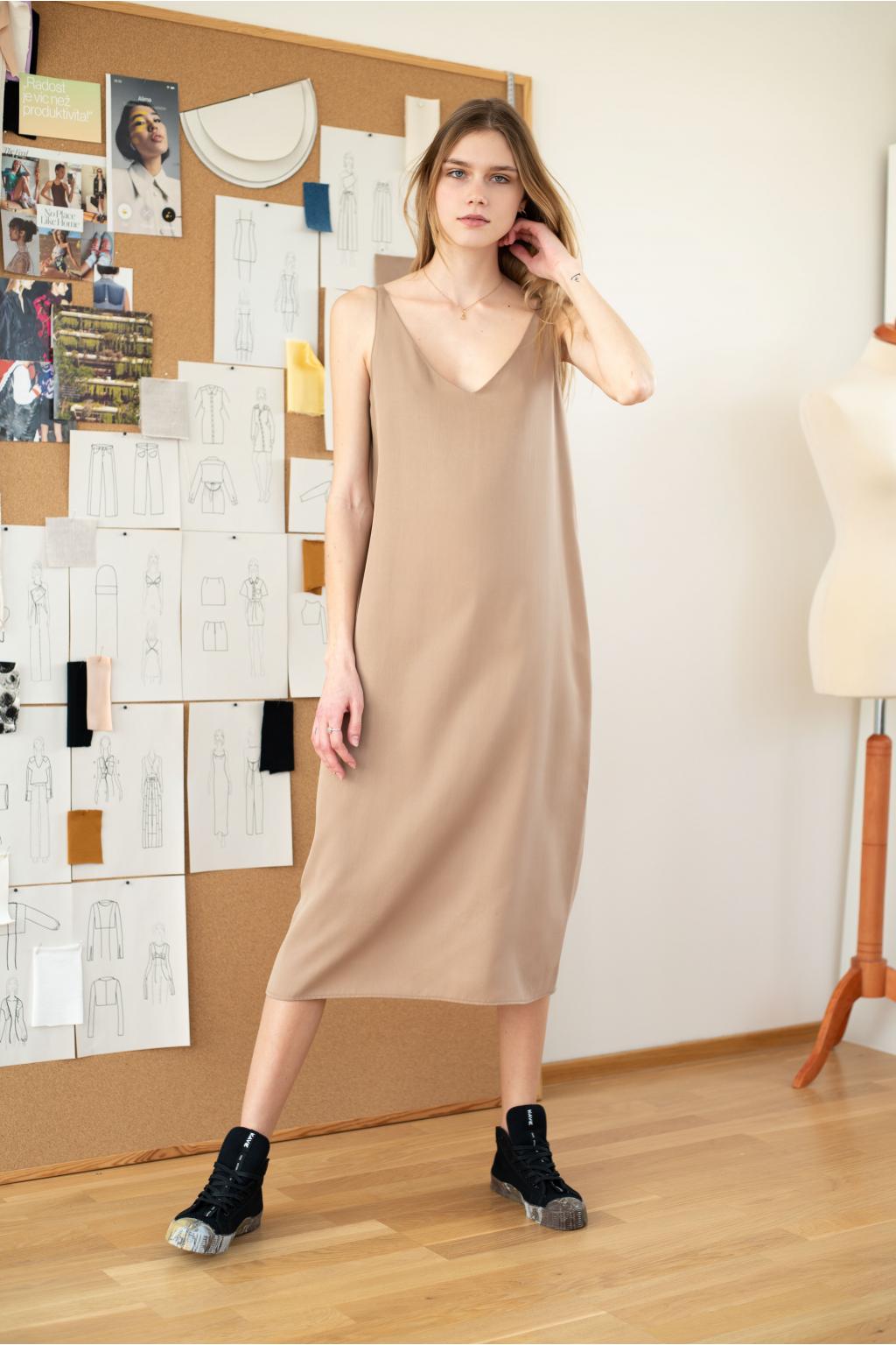 KOUSEK tencelové midi šaty