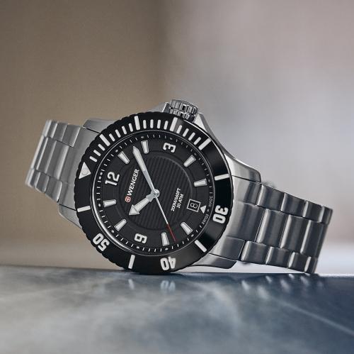 Seaforce Small - dámské vodotěsné hodinky s quartzovým strojkem