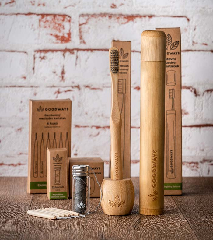 Dental-set-collection-bamboo-toothbrush-travel-case