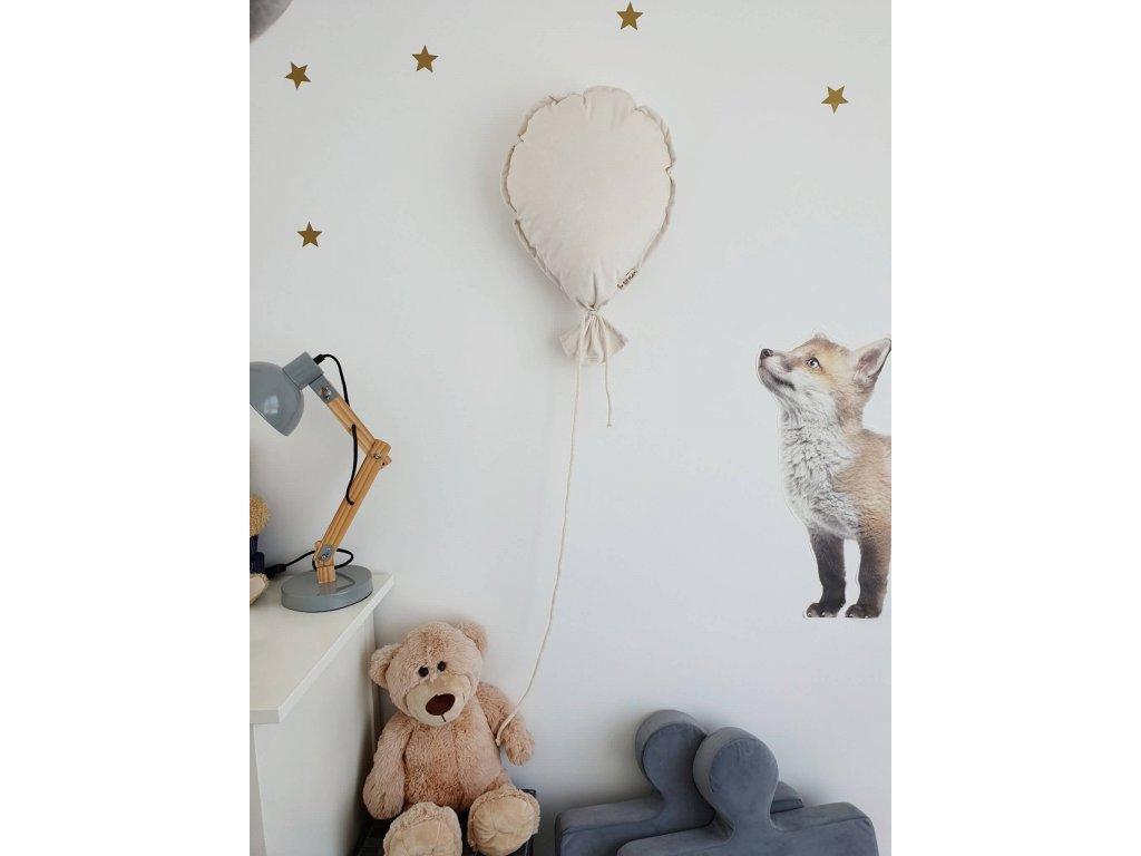 balónek dekorace na zeď