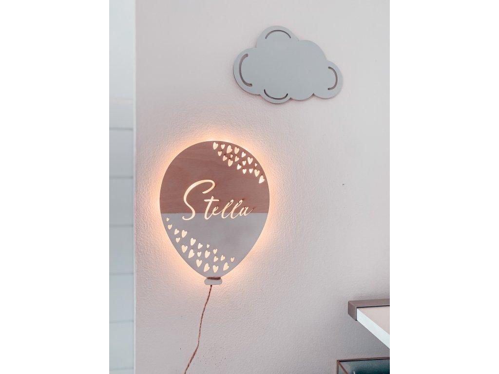 Svítící balónek se jménem