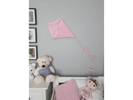 dekorace létající drak růžový