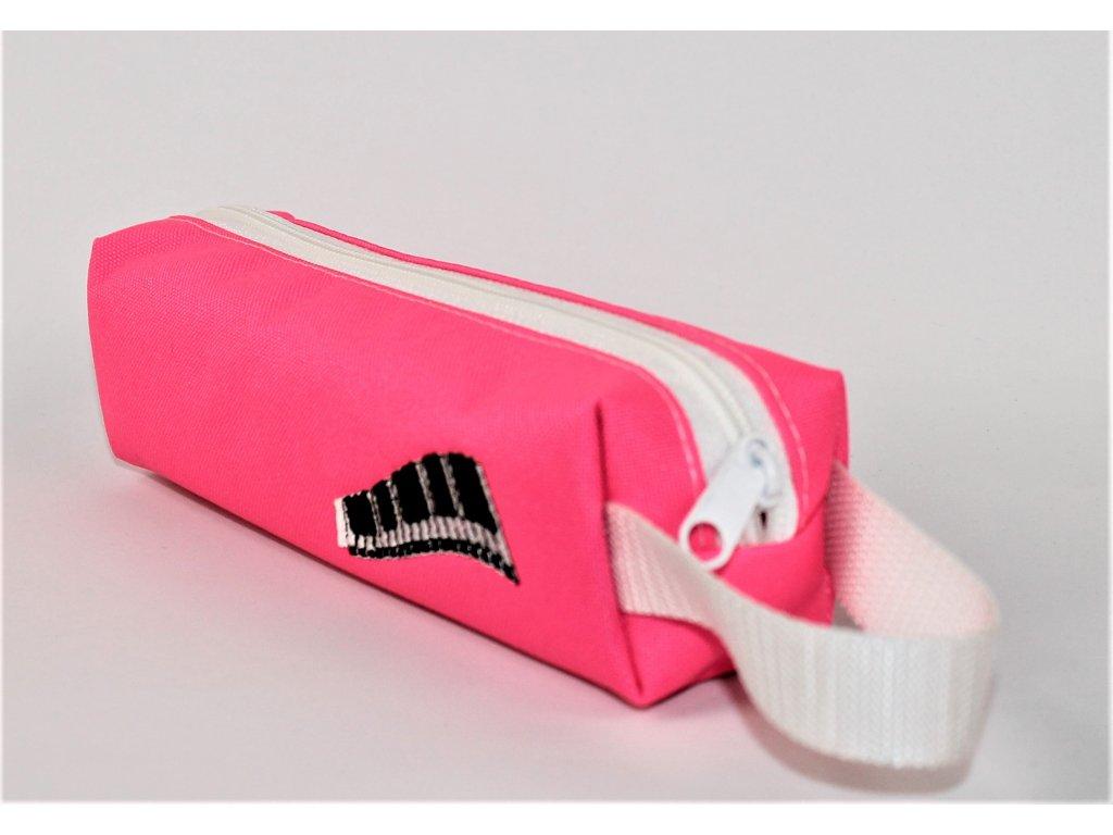 malé růžové pouzdro výšivka piano vel. 20 x 5,5 x 5,5