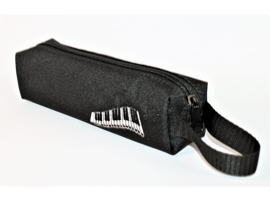 malé černé pouzdro výšivka piano vel. 20 x 5,5 x 5,5