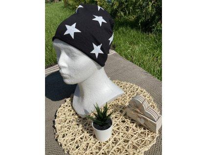 Čepice bílé hvězdičky na černé 50-52