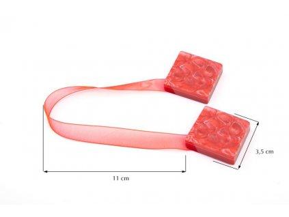 Dekorační ozdobná spona na závěsy s magnetem TAMAY červená, 3,5x3,5 cm Mybesthome