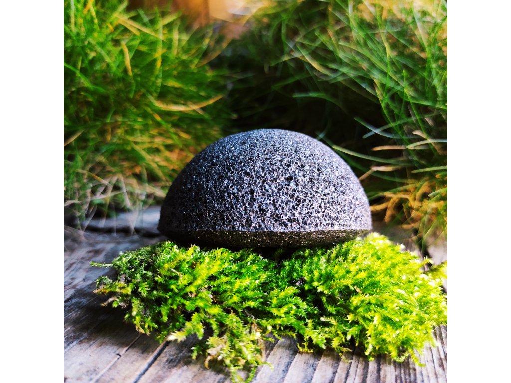 Černý konjac přírodní čistící houbička
