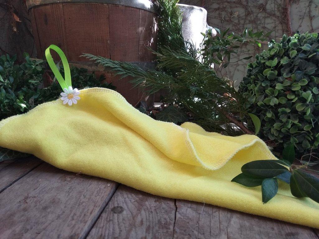 Mini ručník žlutý s kytičkou