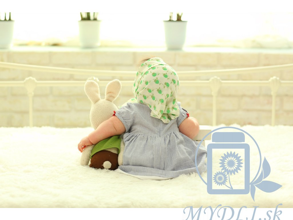 baby behind 1767804 1920