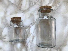 fľaška s korkovým štupľom na kúpeľovú soľ