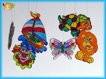 Závěsný kolotoč malovaný barvami na sklo