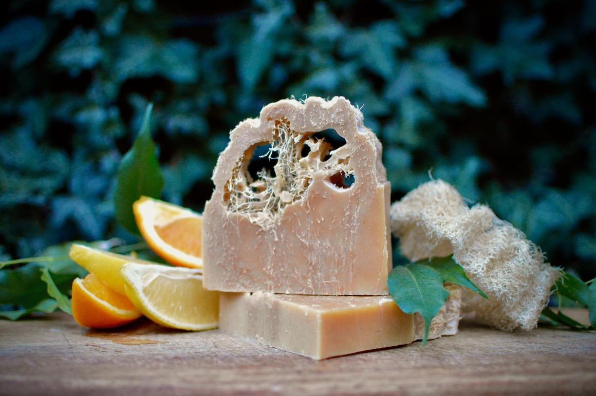 citrusové mydlá s lufou
