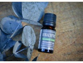 Eukalyptus. Es. Olej