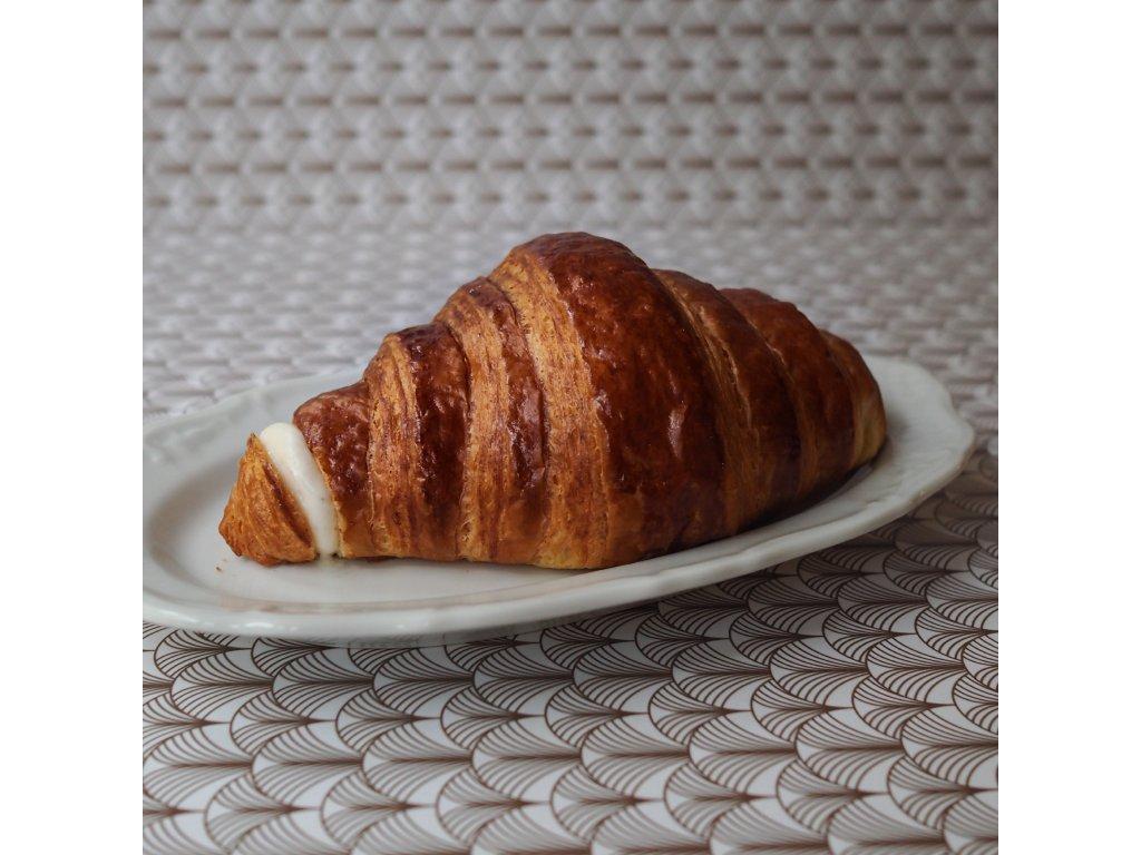 Plněný croissant s pribináčkem