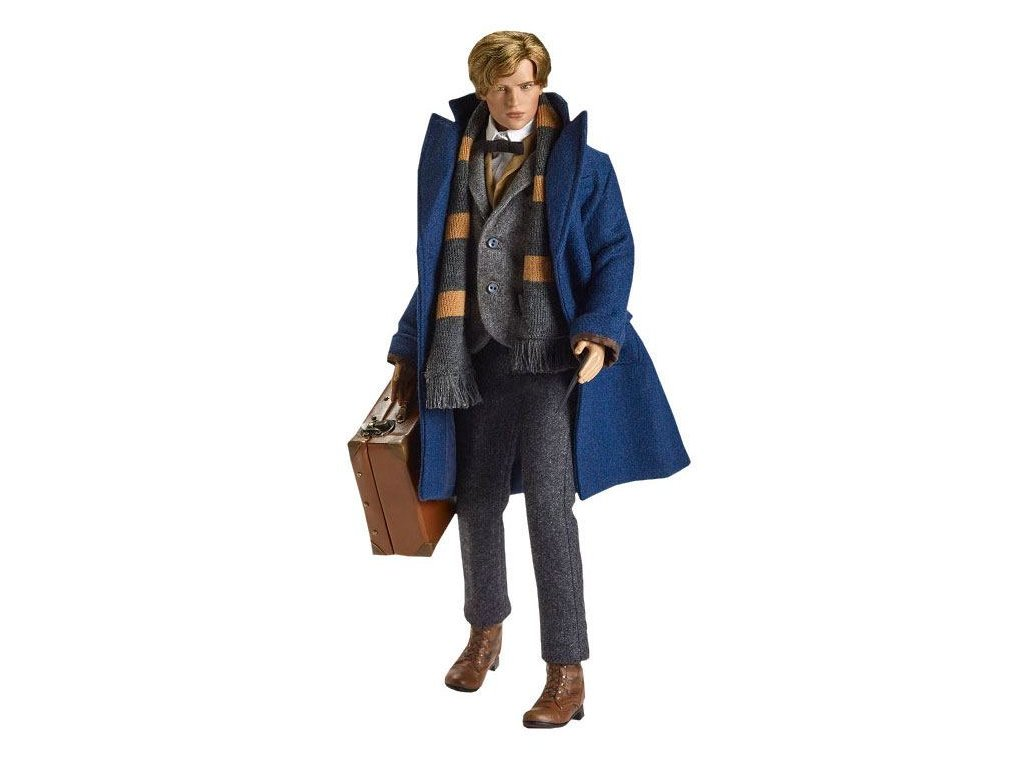Fantastic Beasts Doll Newt Scamander 43 cm --- DAMAGED PACKAGING