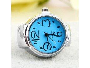 Prsteň s modrými hodinkami
