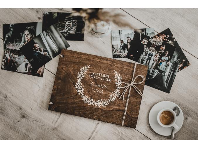 Svatební fotoalbum #classic  Dřevěné fotoalbum s tradičním svatebním boho vzorem.